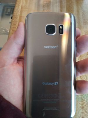 Samsung Galaxy S7 (Gold Platinum) for Sale in Newport News, VA
