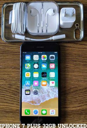 Iphone 7 Plus 32GB GSM UNLOCKED w/ Accessories for Sale in Alexandria, VA