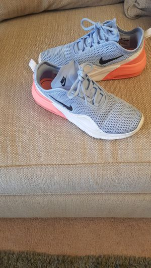 Photo Women's Nike Size 8 NO TRADES Gently Used