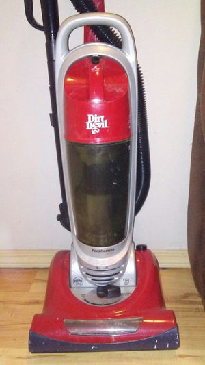 Dirt devil featherlite vacuum for Sale in Tacoma, WA