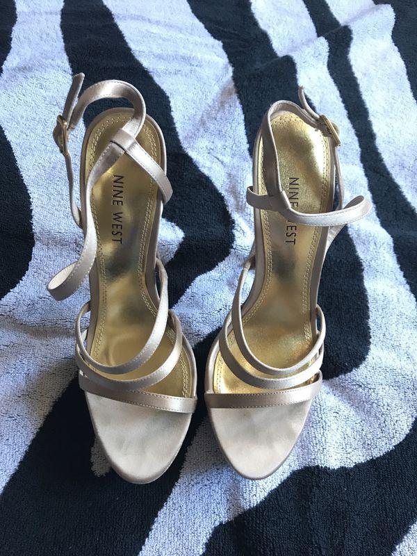 fd8b12d29ea Gold with glitter Nine West high heels 7 for Sale in Phoenix