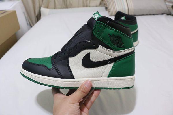 "5c92599702f9 Air Jordan 1 Retro ""Pine Green"" size 11 for Sale in Castro Valley"