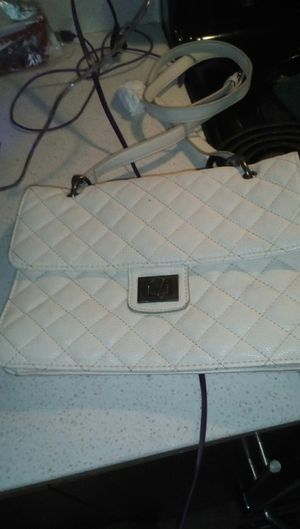 Forever 21 off white evening purse for Sale in Portland, OR