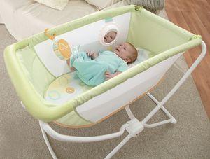 Fisher Price portable bassinet for Sale in Alexandria, VA