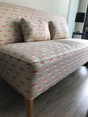 Vintage Floral Print Couch for Sale in Chicago, IL