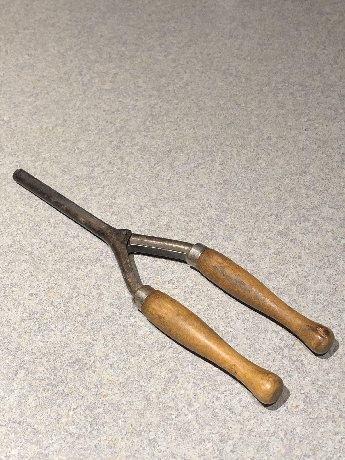 Vintage curling iron