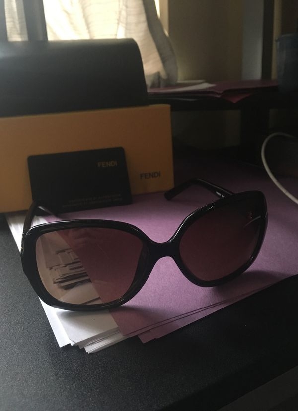 865fbbfb00 Never worn Fendi FS 5227 sunglasses for Sale in New Orleans