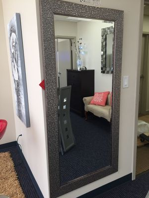 NICE FLOOR MIRROR for Sale in Hialeah, FL