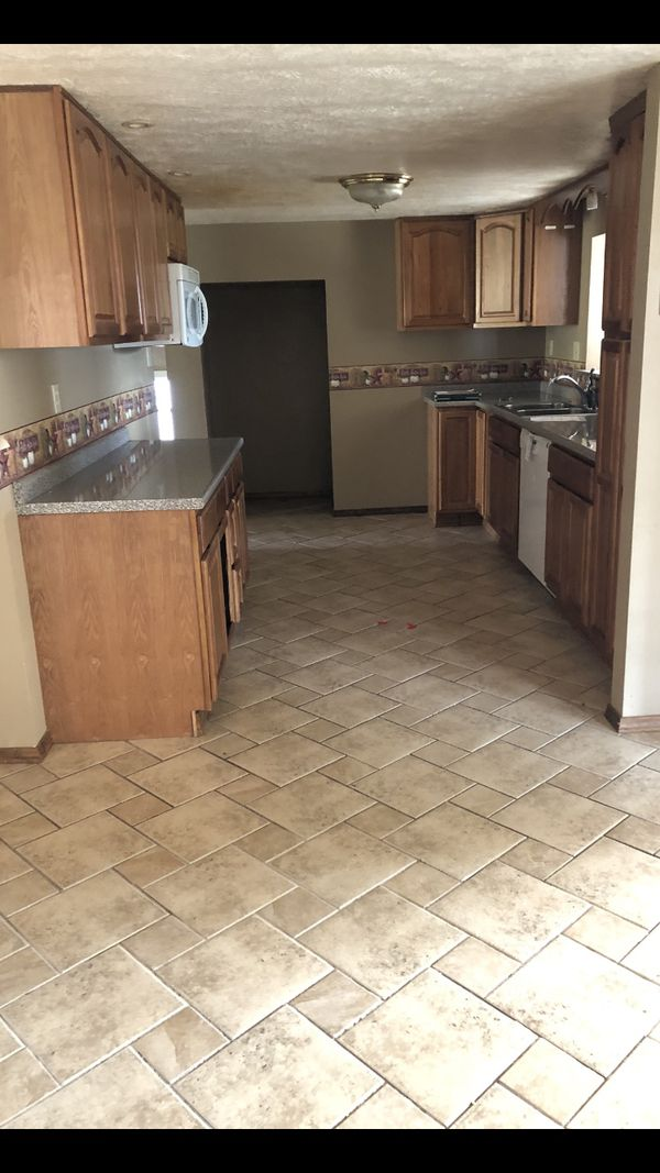 Kitchen cabinets - Oak for Sale in Pittsburgh, PA - OfferUp