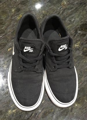 Nike BS shoes US-5 for Sale in Manassas, VA