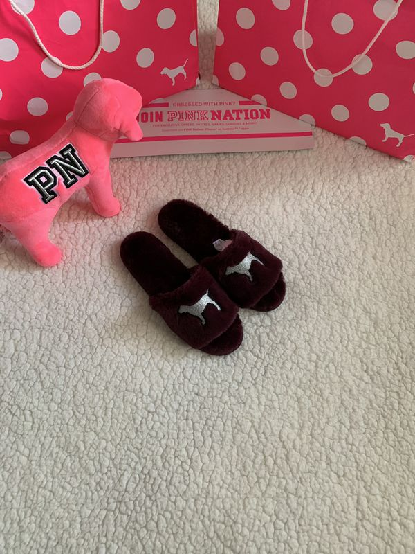 8145269b2a663 Pink Victoria's Secret Campus Logo Faux Fur Slippers for Sale in  Bakersfield, CA - OfferUp