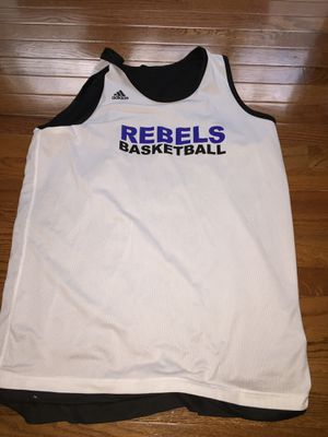 Fairfax high school basketball jersey size xl for Sale in Fairfax, VA