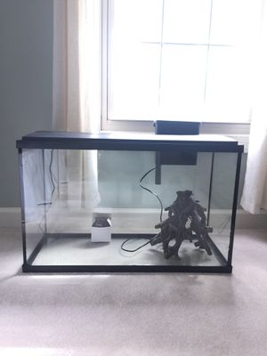 Fish tank 29 gallon for Sale in Potomac Falls, VA