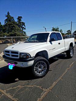 2001 Dodge Dakota Thumbnail