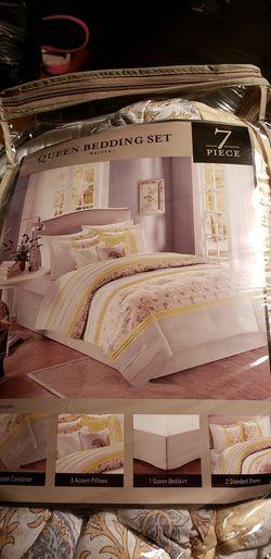 7 Pc Queen Bedding Set NEW $80 obo Thumbnail