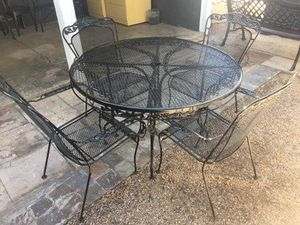 Photo Outdoor Wrought Iron Table & 4 Wrought Iron Chairs [Read Description]