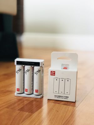 Zhiyun Crane 2 Batteries and Charger for Sale in Miami, FL