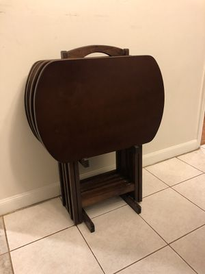 Set of 4 tables with carrying stand for entertaining, TV dinner, side table for Sale in Alexandria, VA