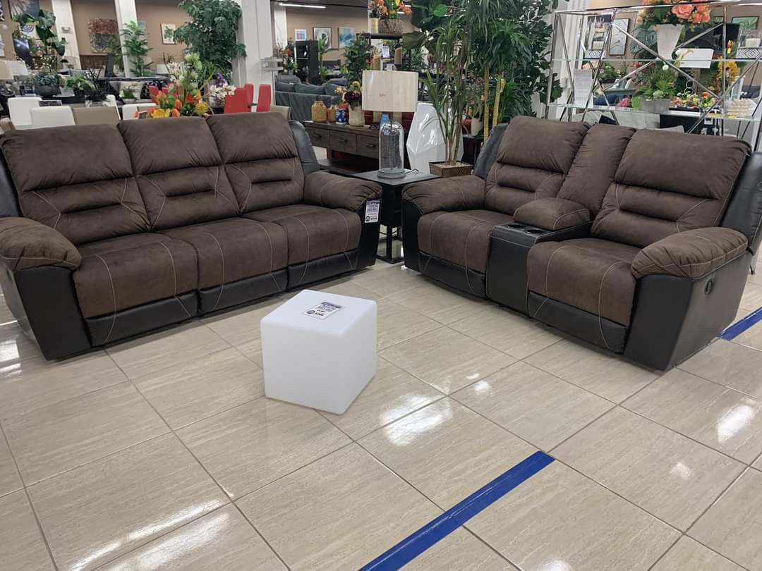 Earhart Chestnut Reclining Living Room Set /in Stock / Free Delivery