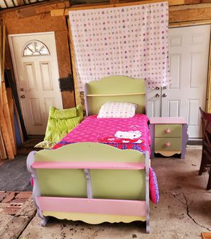 Photo Pastel color twin sz princess bed frame w mattresses and matching nightstand table and chair comfort include