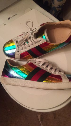 Gucci sneakers sz 7 for Sale in Hyattsville, MD