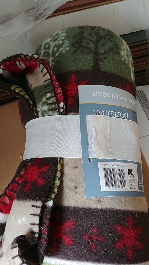New and Used Fleece blanket for Sale in Delray Beach, FL - OfferUp