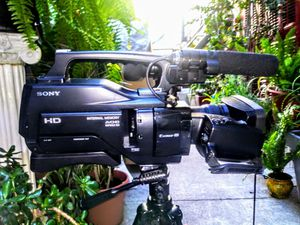 SONY HXR-MC2000 for Sale in San Francisco, CA
