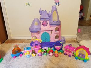 Photo Fisher price disney castle and train with princesses