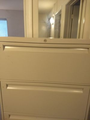 MUST GO TODAY!!!! MoVING Sale!!Four drawer file cabinet with keys, putty for Sale in Silver Spring, MD