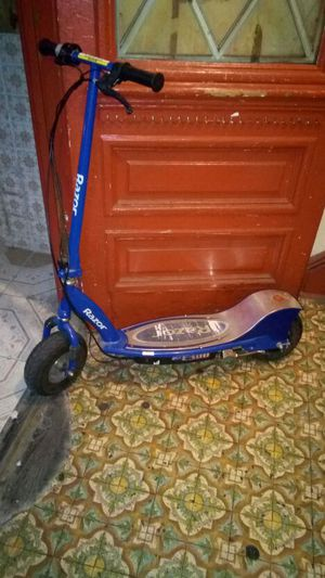 Razor electric scooter for Sale in Baltimore, MD