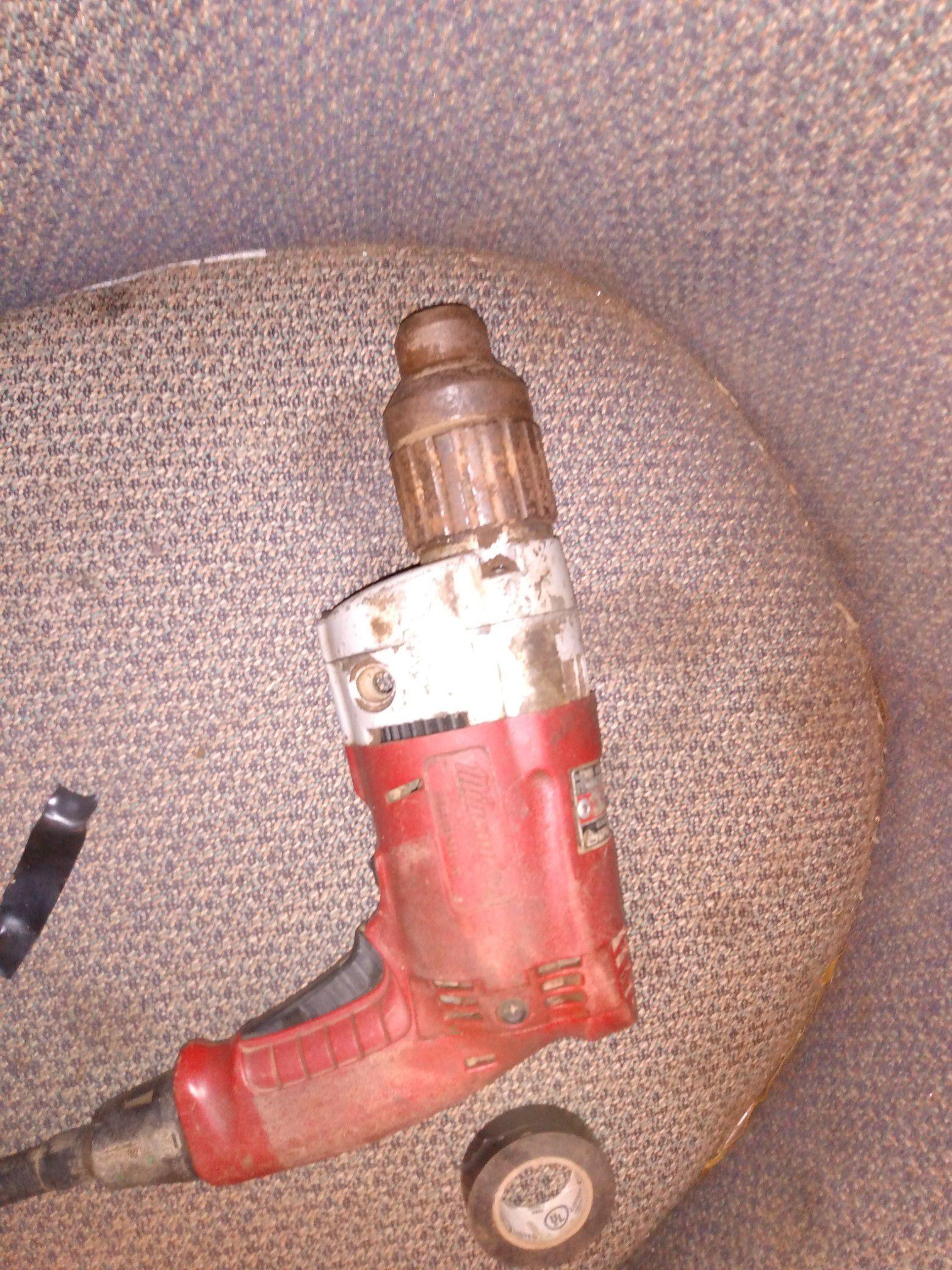 Mikita drill magnum