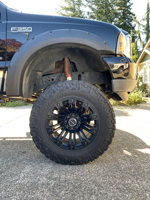 """Photo 20"""" XD Wheels + 37"""" Nitto Tires"""