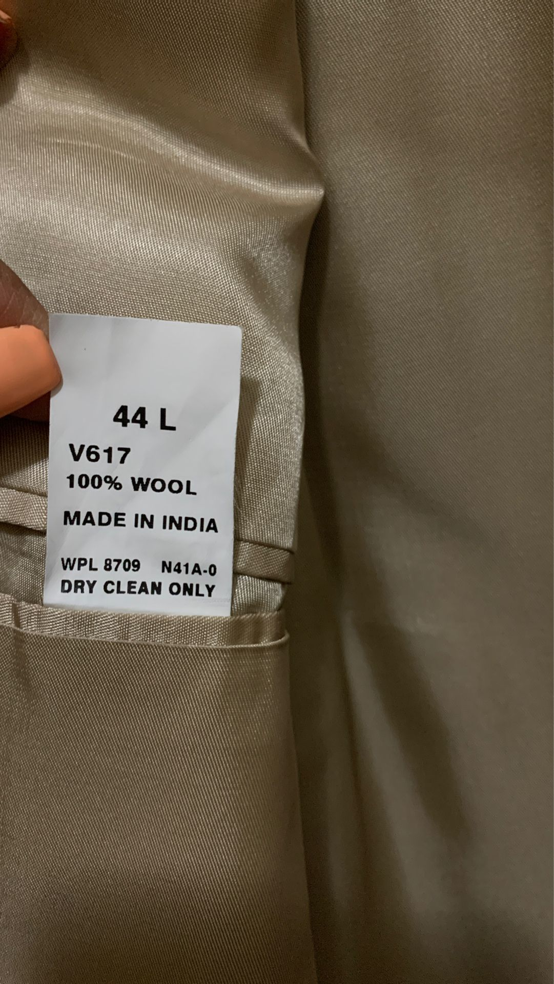 Gray men's suit size 44L