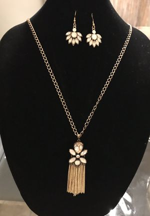 Beautiful necklace set for Sale in Orlando, FL