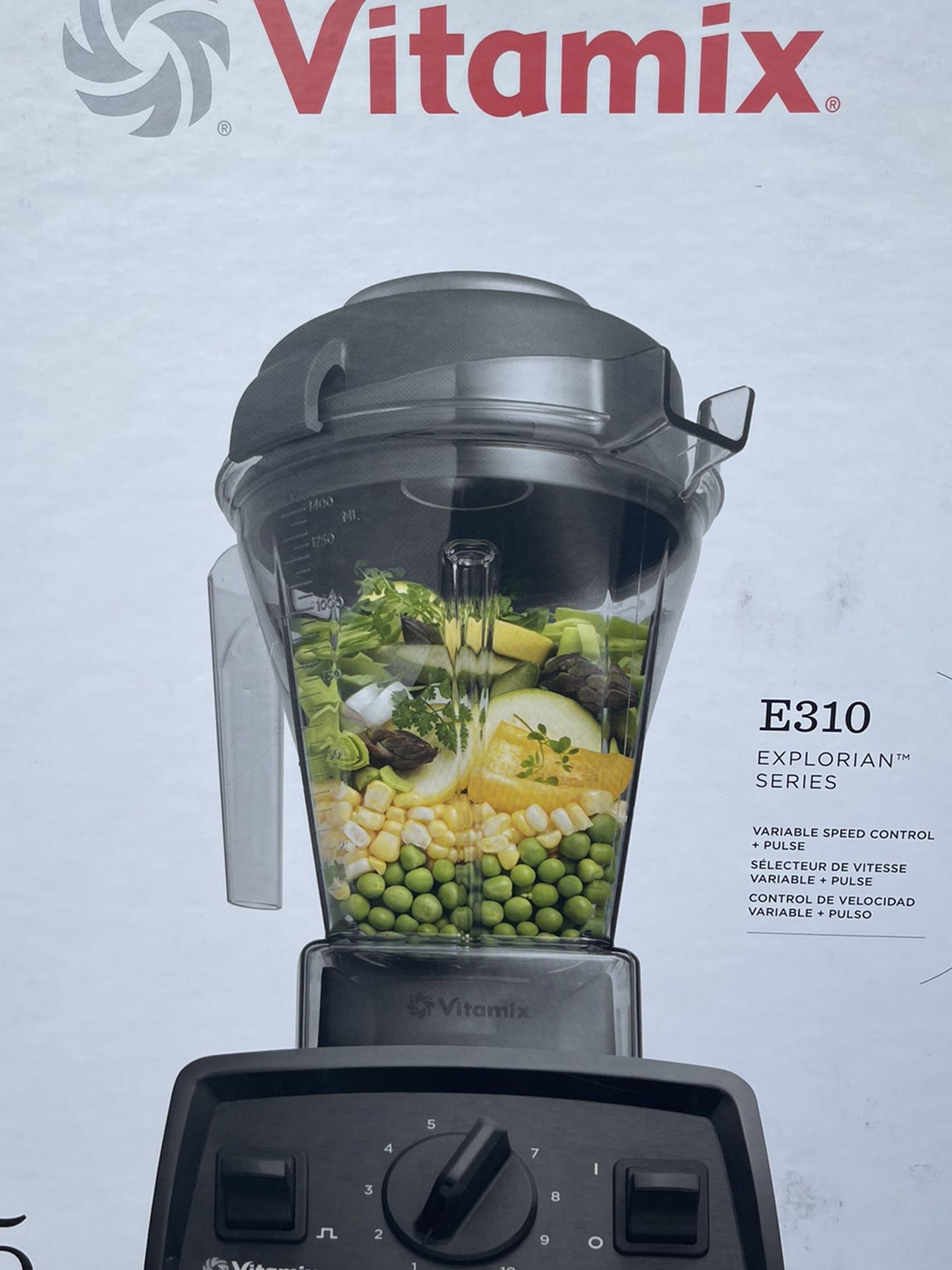 Vitamix Explorian E310 Series 10-Speed Black 48 oz. Blender  SEALED