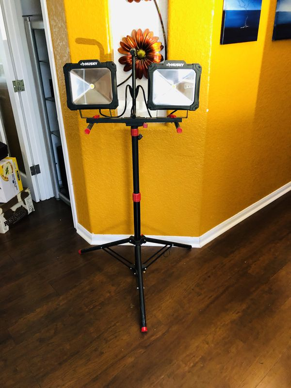 Husky 7000-Lumen Twin-Head LED fully adjustable Work Light  Excellent  condition  Price is firm for Sale in San Antonio, TX - OfferUp