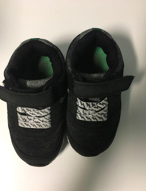 2910fa7893 Cat & Jack toddler size 6 sneakers for Sale in Kearny, NJ - OfferUp