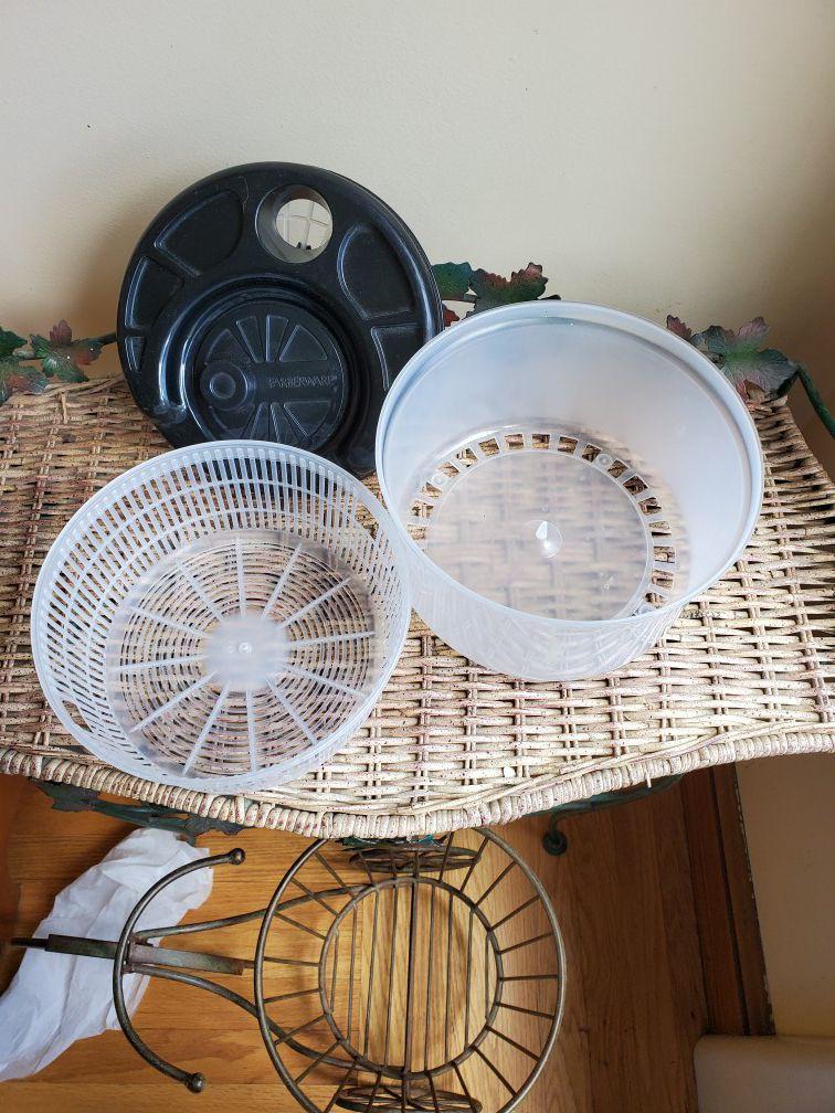 Farberware salad/ veggie/fruit spinner