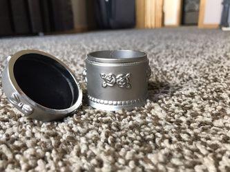 Metal jewelry box Thumbnail