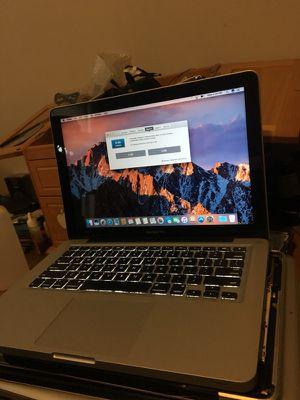 13 inches MacBook Pro i5 processor 8 GB memory ram 500 GB hardrive 2011 for Sale in Boston, MA