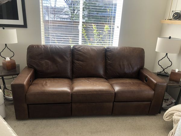 Beautiful Italian Leather Sofa with Theatre Seating Recliners on either  side for Sale in Highlands Ranch, CO - OfferUp