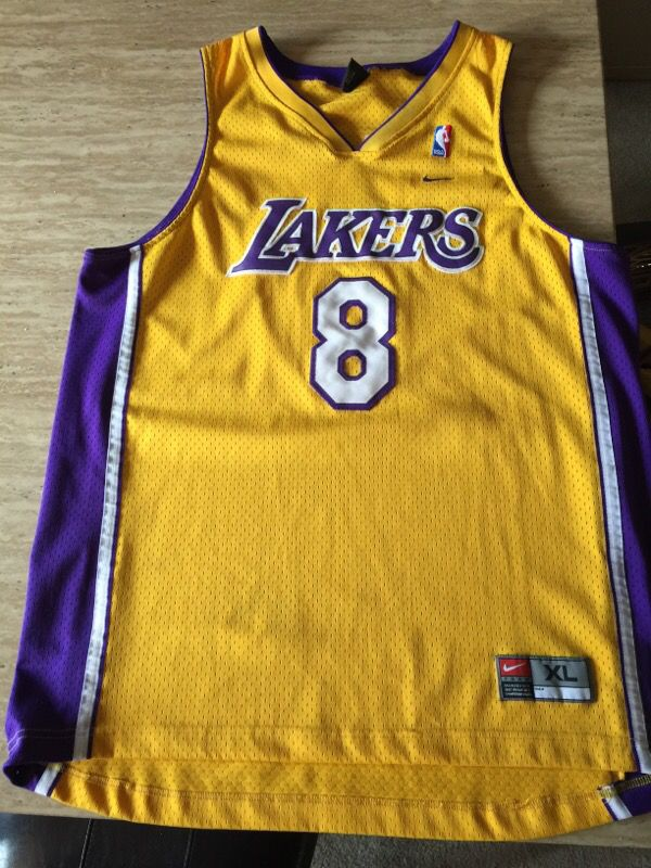sports shoes ce7f0 3e86d Authentic Vintage Nike Kobe Bryant Lakers #8 XL Jersey for Sale in Tacoma,  WA - OfferUp