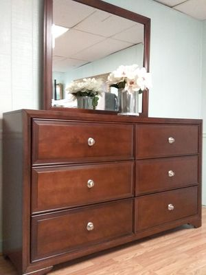 Photo 64x39x17 New Rooms To Go Dresser with Mirror/ Pls Read the ad!