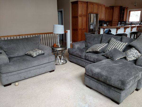 outlet store 21477 0aa6e Cornell Pewter Sofa & Chaise Couch Left or Right setting for Sale in Cross  Lake, MN - OfferUp