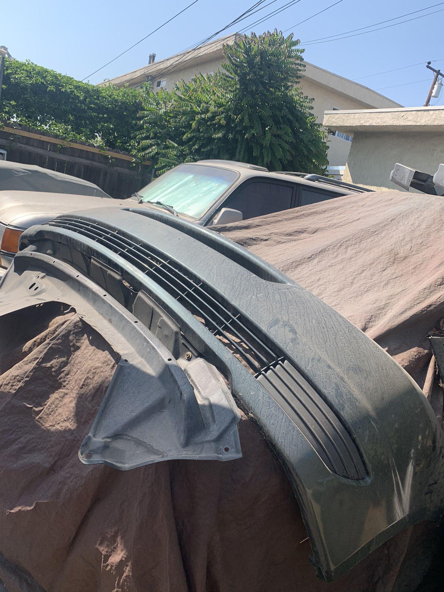 2005 Toyota Sienna front bumper