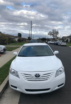 Photo 2008 Toyota Camry LE Salvage Title 112K Miles.