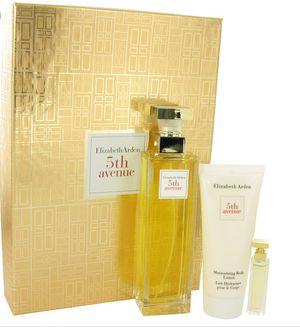 Tengo estos set de perfumes, riquísimos originales a la venta for Sale in Arlington, VA