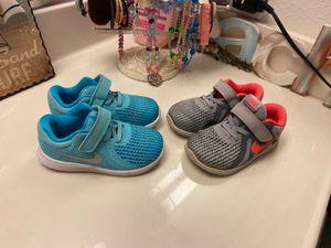 Photo Toddler girl Nike shoes size 8