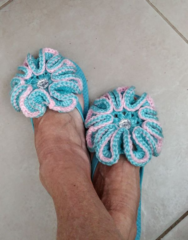 afc87013a Crocheted flower flip flops for Sale in Port St. Lucie