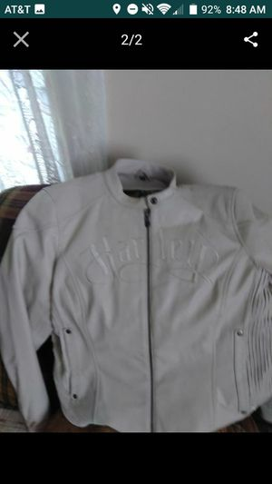 XL ladies white leather coat for Sale in Lynchburg, VA